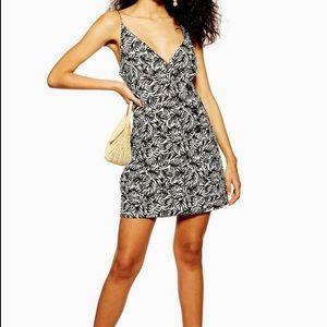 Topshop • Linen Patterned Button Wrap Dress Size 6